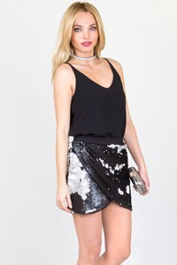 No Brand Black and Silver Sequin Skirt / Fit: S